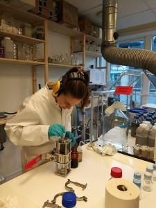 Avtrekksskapet på laben vår.